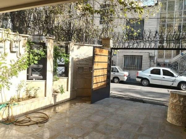 اجرای حفاظ شاخ گوزنی بدون مزاحمت برای درب بازشو پارکینگ